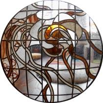 Pauline Le Goïc, Ôsage, cercle central, おさげ, portes shoji avec verre bombé incrusté de dentelle de cheveux et papier washi coloré ou incrusté de graines, cendres ou cheveux