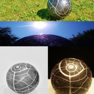 Pauline Le Goïc, Chaosmos I -Gématria, ensemble de vues d'une sphère de verre montée au plomb avec verre thermoformé et sérigraphié