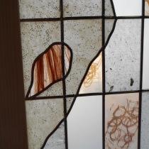 Ôsage (détail), おさげ, de portes shoji verre/papier washi avec incrustations de graines et cheveux