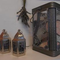 Pauline Le Goïc, Armorique Vitrail, lanterne lavande avec montage au plomb de verres colorés et gravés